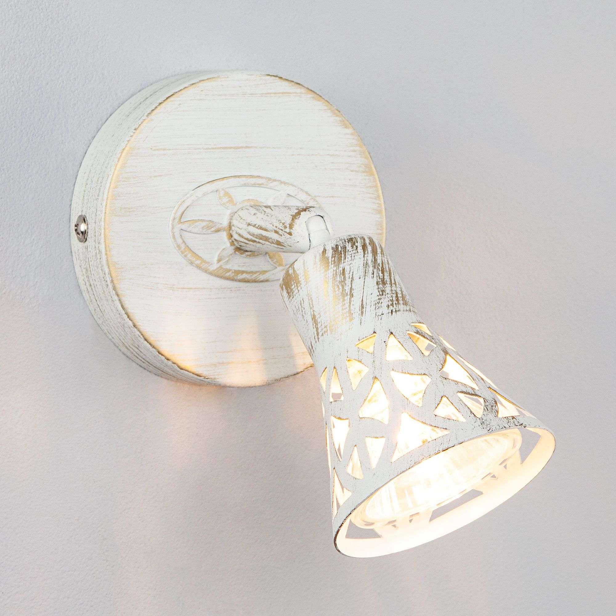 Светильник-спот с поворотным плафоном 20027/1 белый с золотом