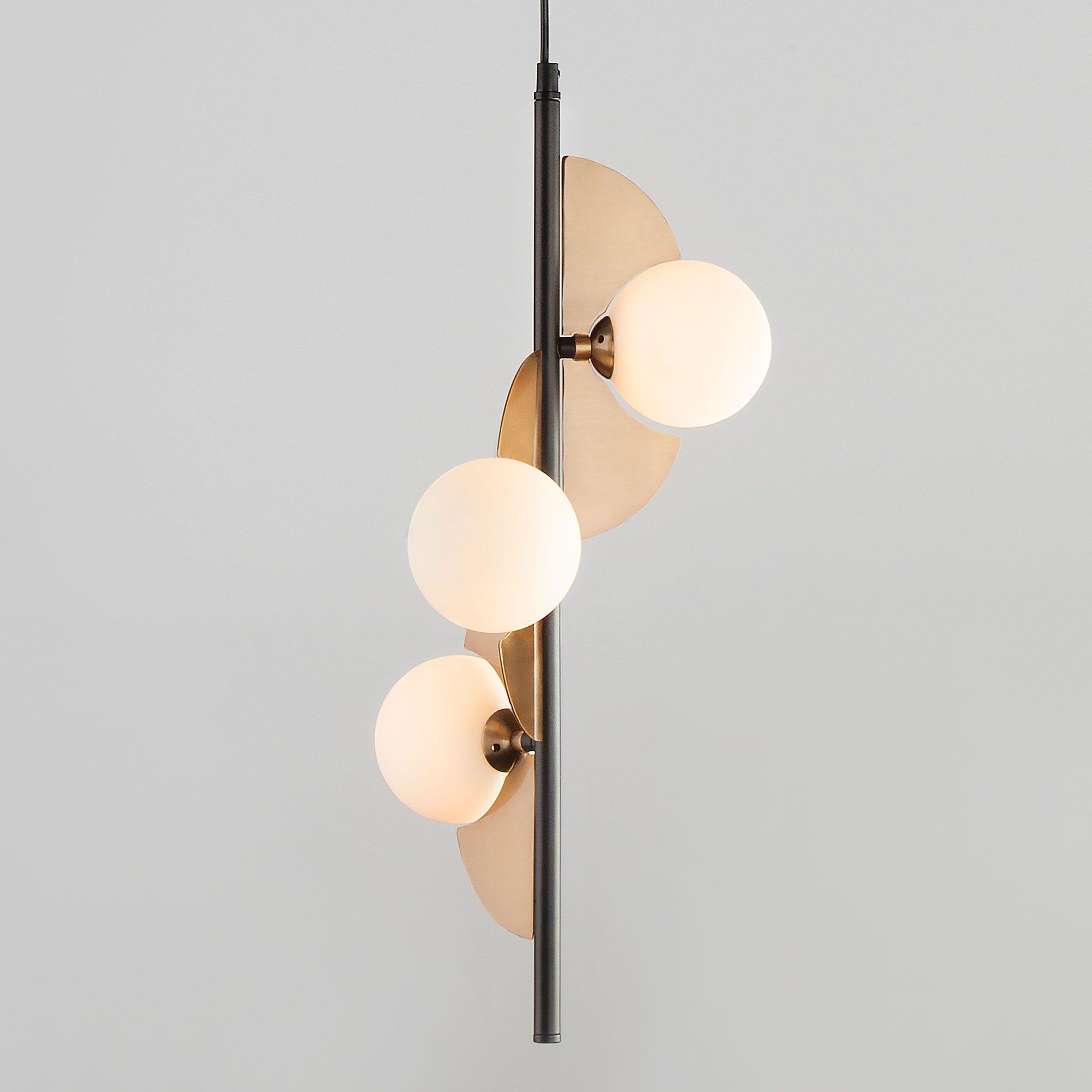 Подвесной светильник лофт с декоративными деталями 50143/3 золото/черный