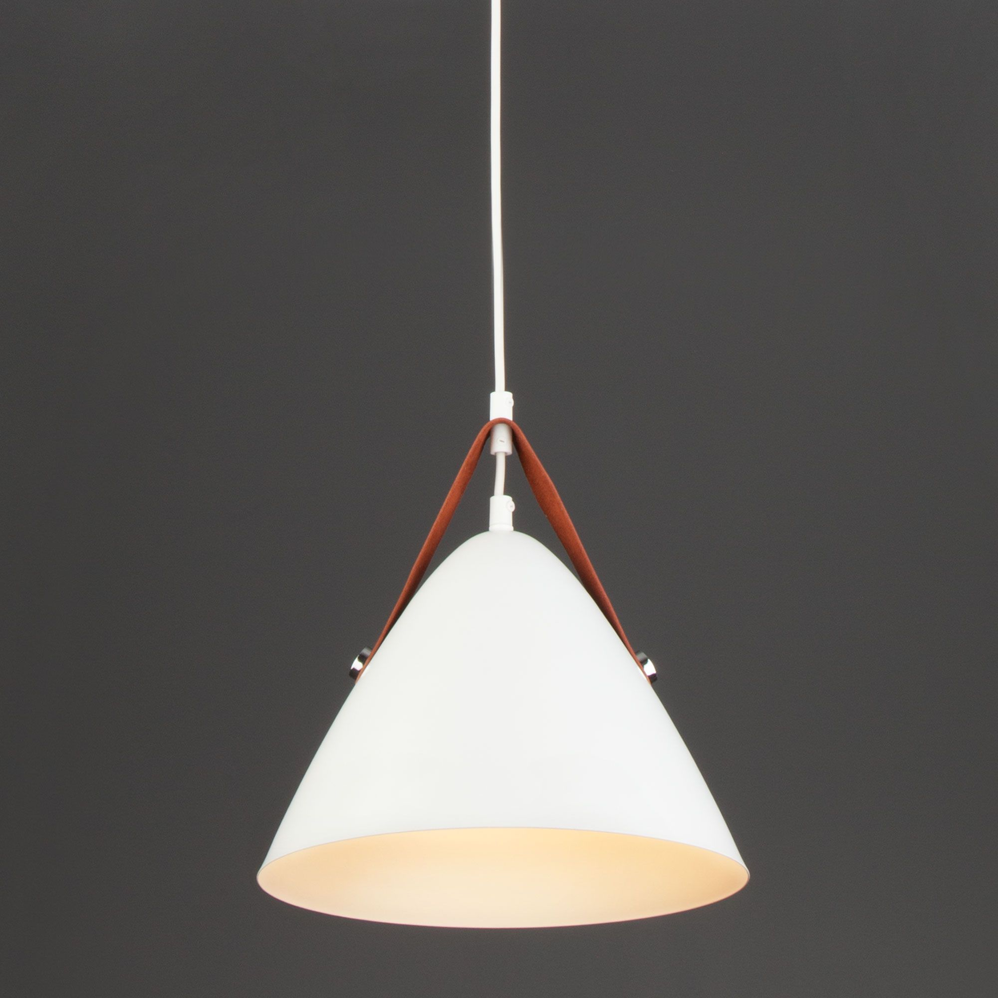 Подвесной светильник лофт с плафоном 50141/1 белый