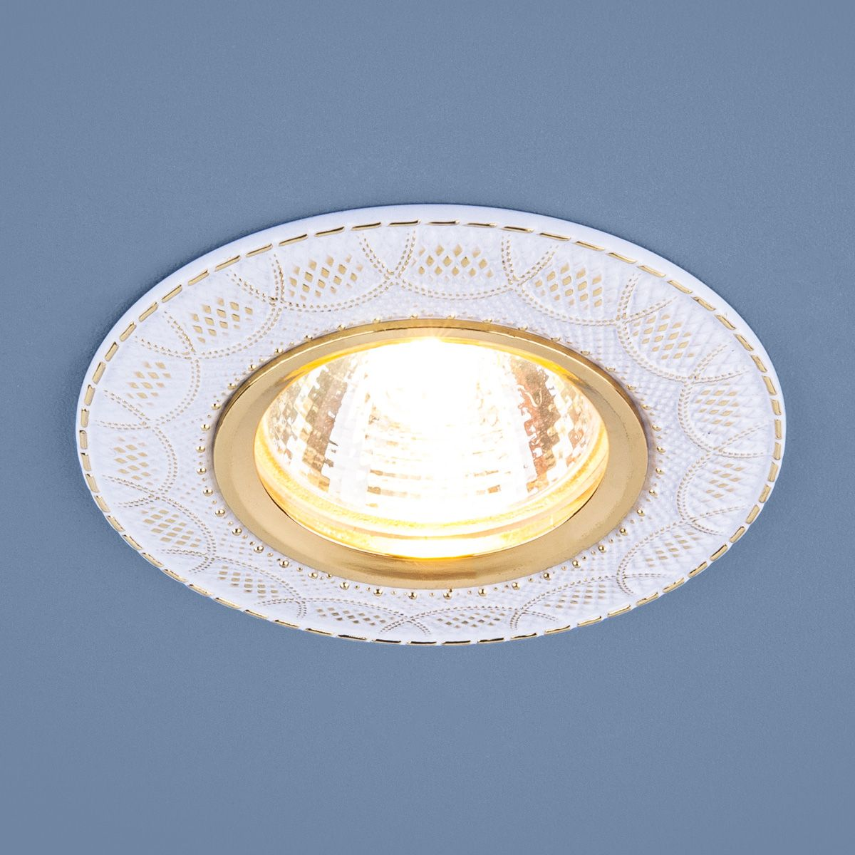 Встраиваемый точечный светильник 7010 MR16 WH/GD белый/золото